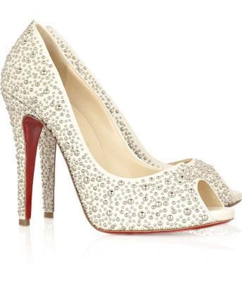 Christian Louboutin 白色高跟鞋
