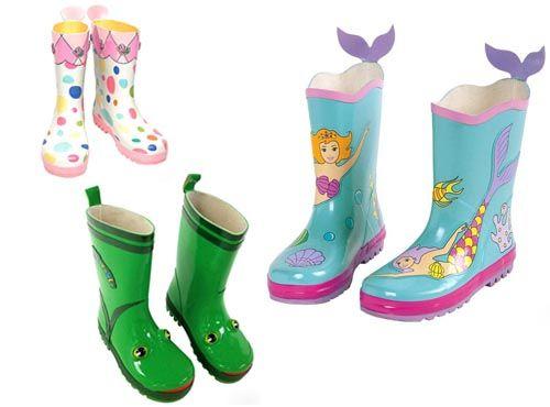 小孩穿雨鞋图片