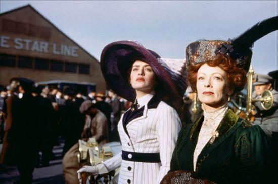 帽子是身份的象征:Rose 和其母亲