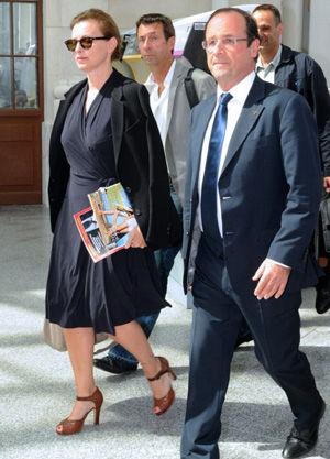 Valérie Trierweiler同新任总统Fran�N�氮Q Hollande