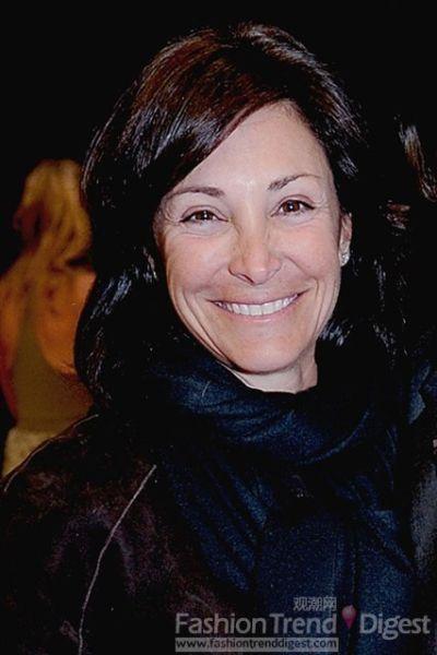 被扇耳光的纽约金牌公关Lynn Tesoro