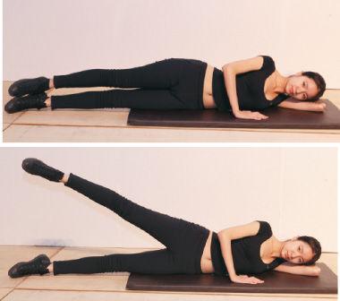 雕塑腿内侧:侧卧,上侧腿弯曲压住下面的腿,下侧腿尽力向上抬,同样也使用勾绷脚交替。