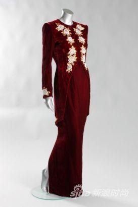 戴安娜王妃生前礼服裙将被拍卖