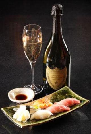 """王者佳酿 奢宠至臻美馔   香槟创造者dom pérignon始终坚持""""酿造"""