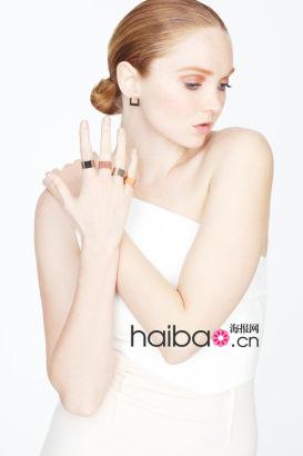 莉丽・科尔 (Lily Cole) 演绎首个橡胶珠宝配饰系列大片
